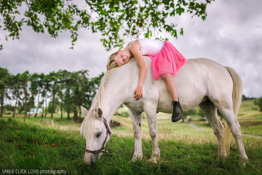 Family photos Farm and Pony-14.jpg