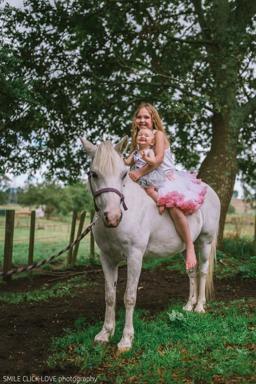 Family photos Farm and Pony-31.jpg