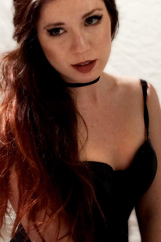 Kat Von D Everlasting Lip Liner Lolita swatch