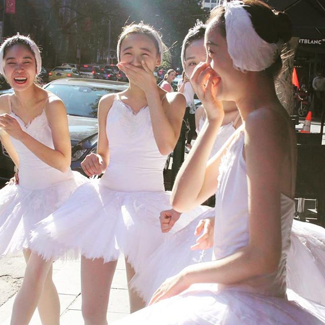A beautiful shot of 4 of our corps de ballet on Collins Street this morning ☀️