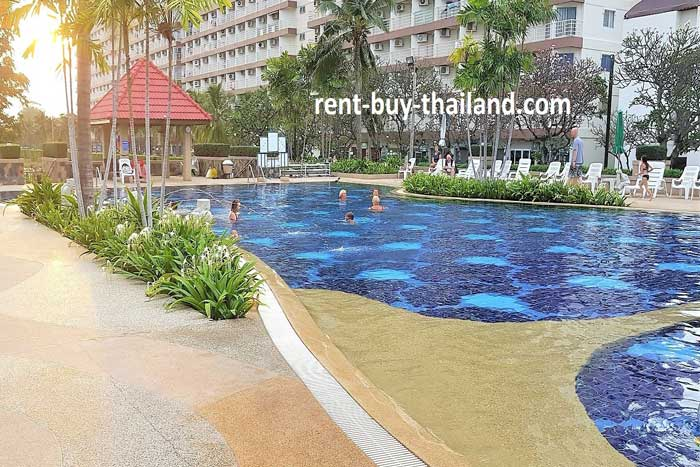 Jomtien Beach Condominium Swimming Pool Area