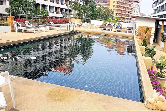 Plaza Residence Swimming Pool