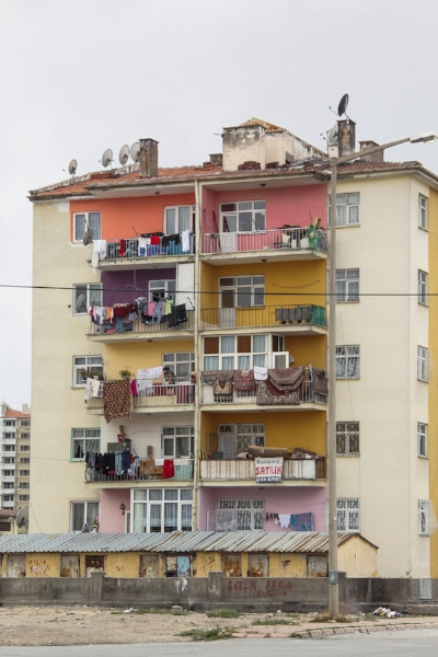 Apartment Block in Kayseri, 2016 . Courtesy of the artist.   ©  Elham Behinaein Hamgini