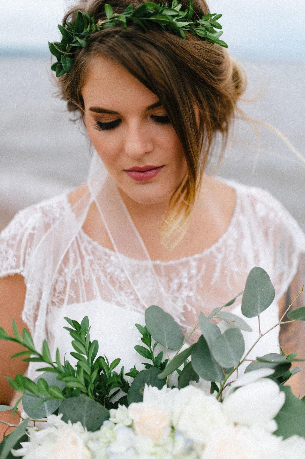 16-beach bride flower crown minnesota perth.jpg