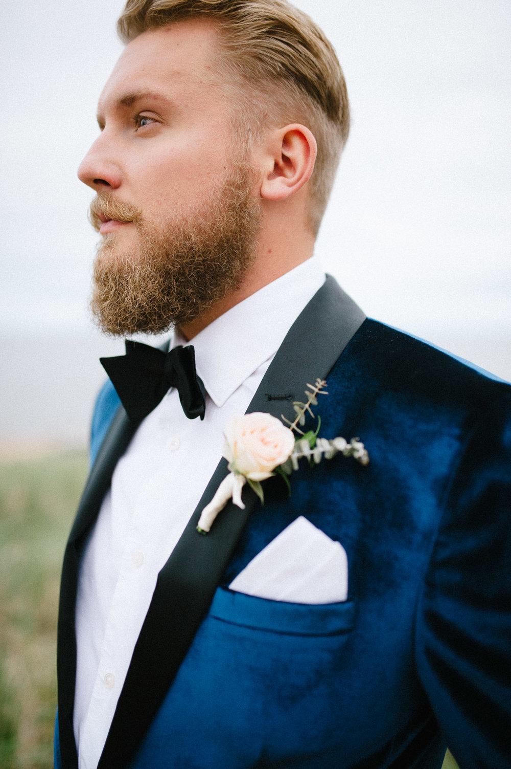 15-wedding photography groom bow tie perth.jpg