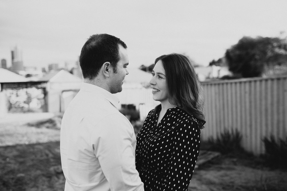 perth wedding engagement photography hyde park (7).jpg