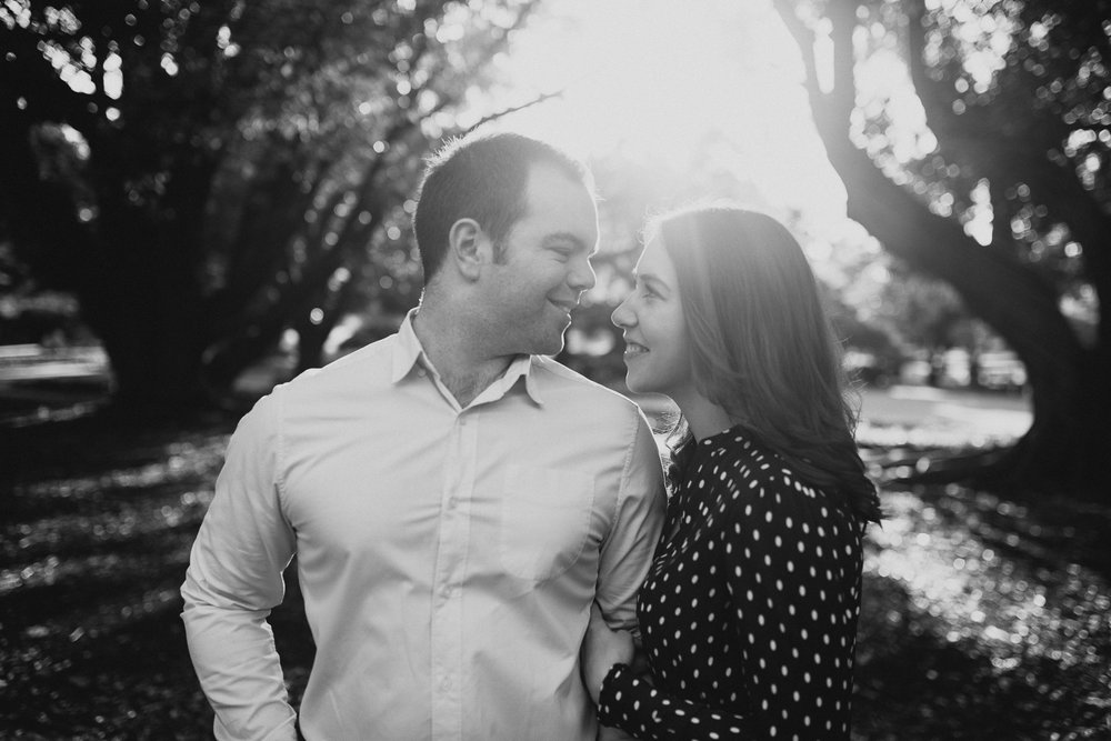 perth wedding engagement photography hyde park (10).jpg