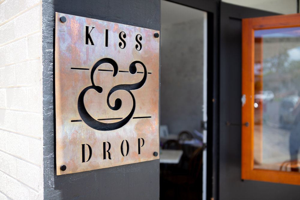 Kiss & Drop Sign_.jpg