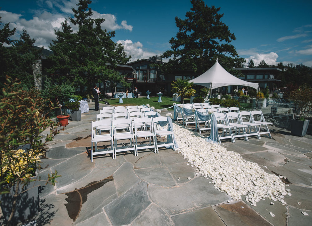 dloveaffair_wedding_ceremony_privateisland.jpg