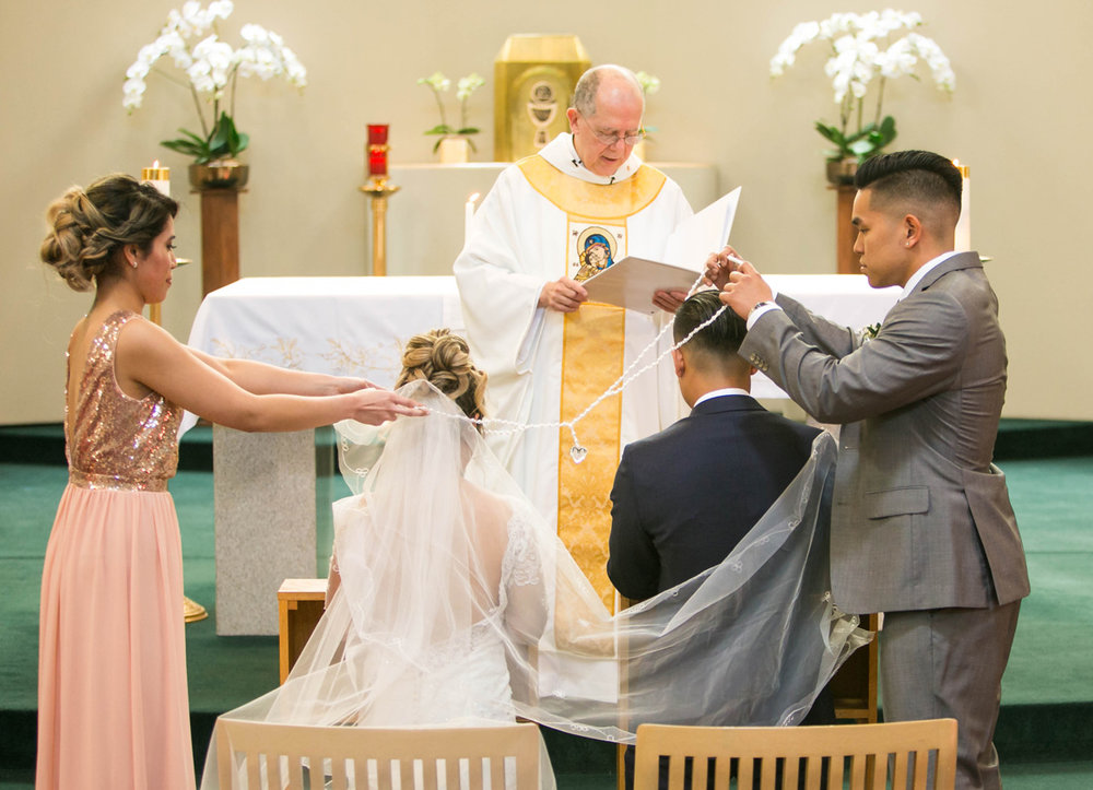 dloveaffair_wedding_ceremony_holy_rosary.jpg
