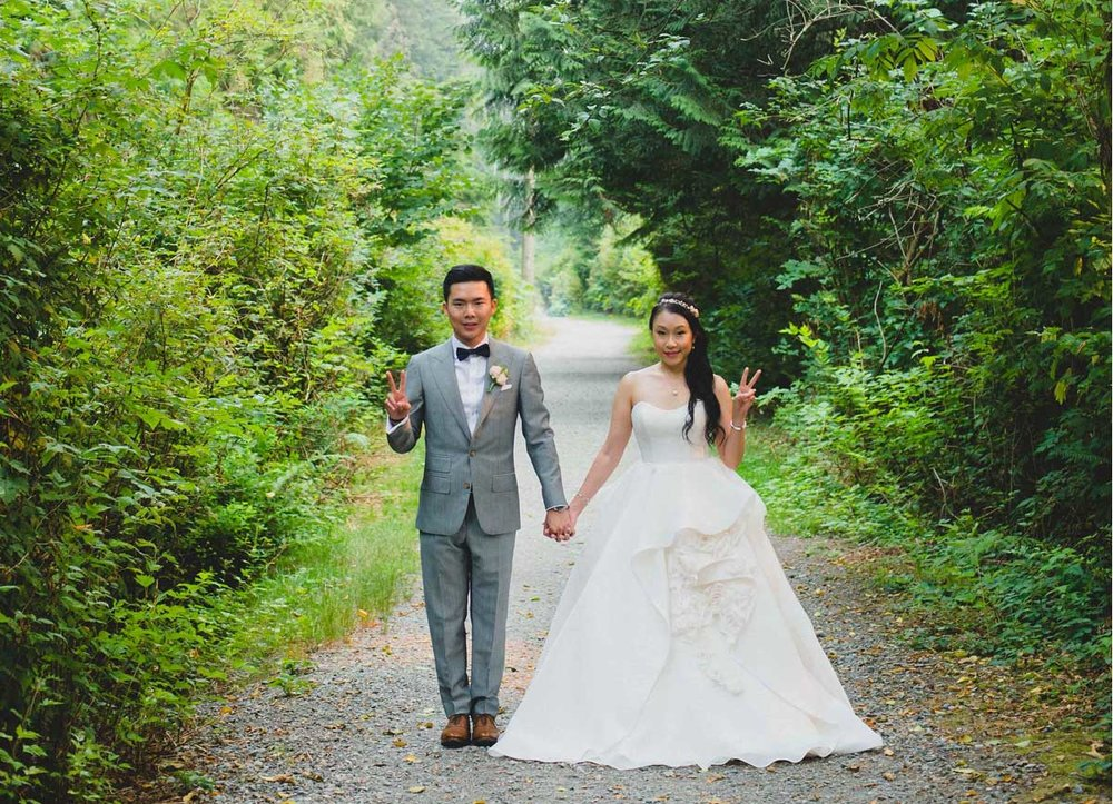 dloveaffair_wedding_bride_groom_forest.jpg