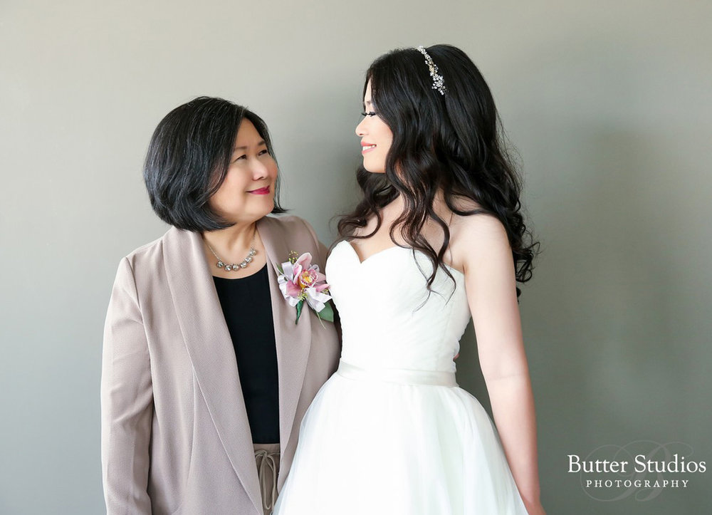 dloveaffair_wedding_bride_motherofbride.jpg