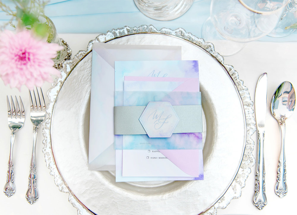 dloveaffair_wedding_chargerplate_invitation.jpg