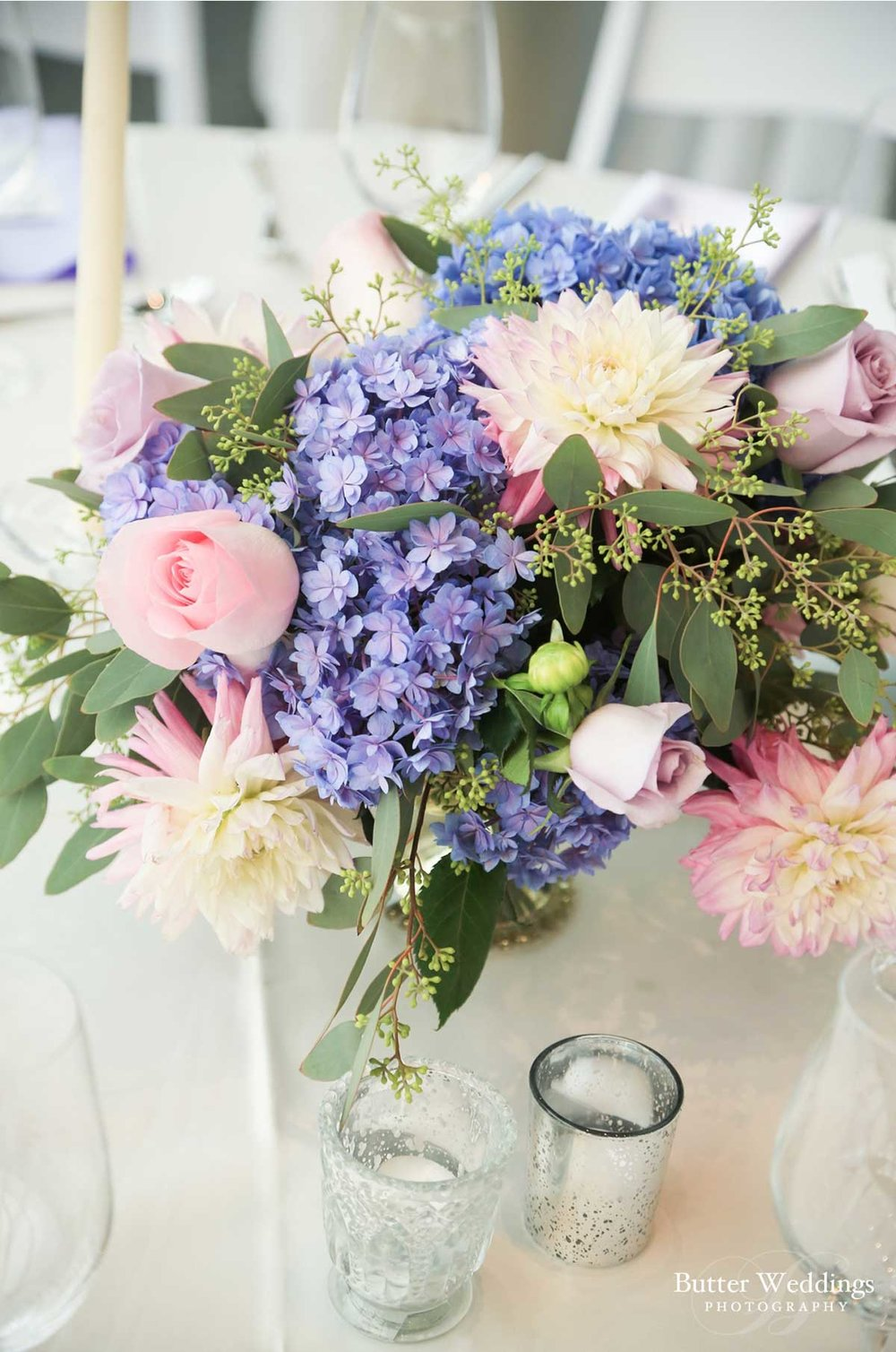 dloveaffair_wedding_centerpiece_flowers.jpg