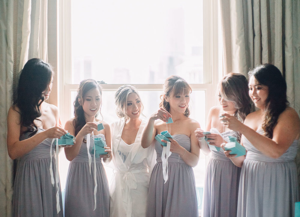 dloveaffair_wedding_bride_bridalparty_sqaud.jpg