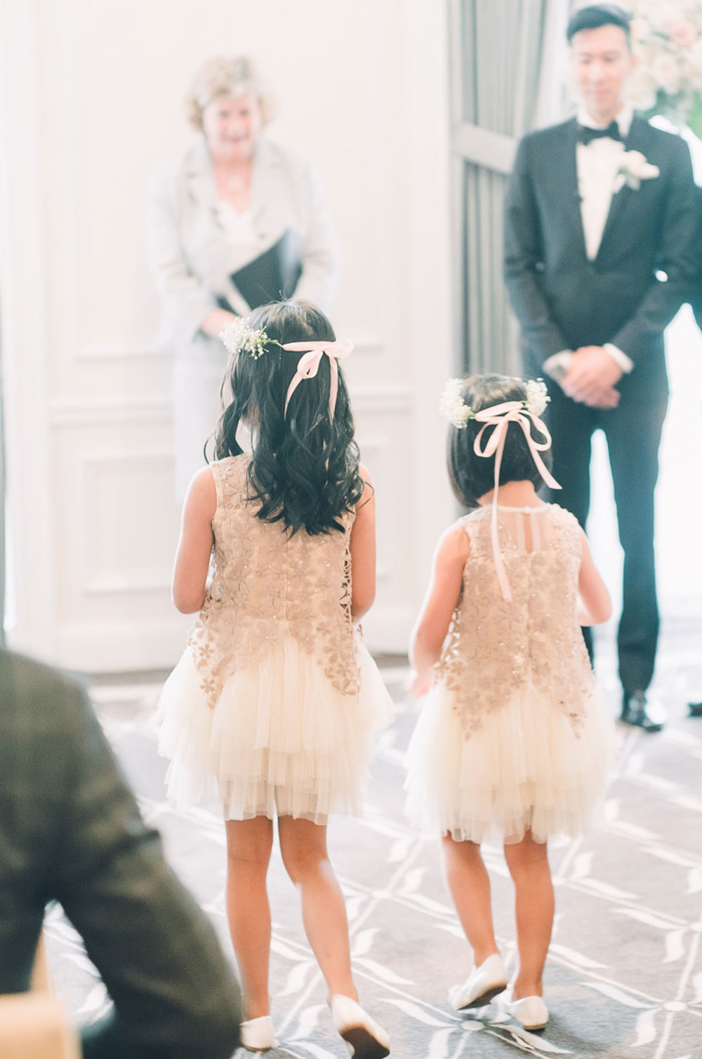 dloveaffair_wedding_flowergirls_ceremony.jpg