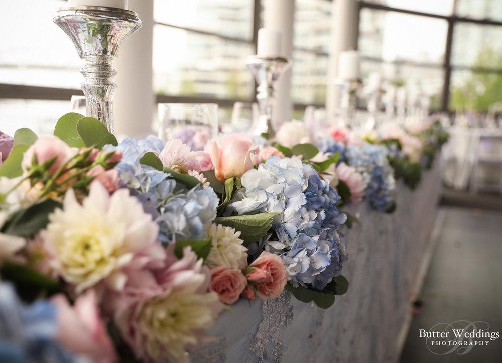 dloveaffair_waterview_wedding_headtable.jpg