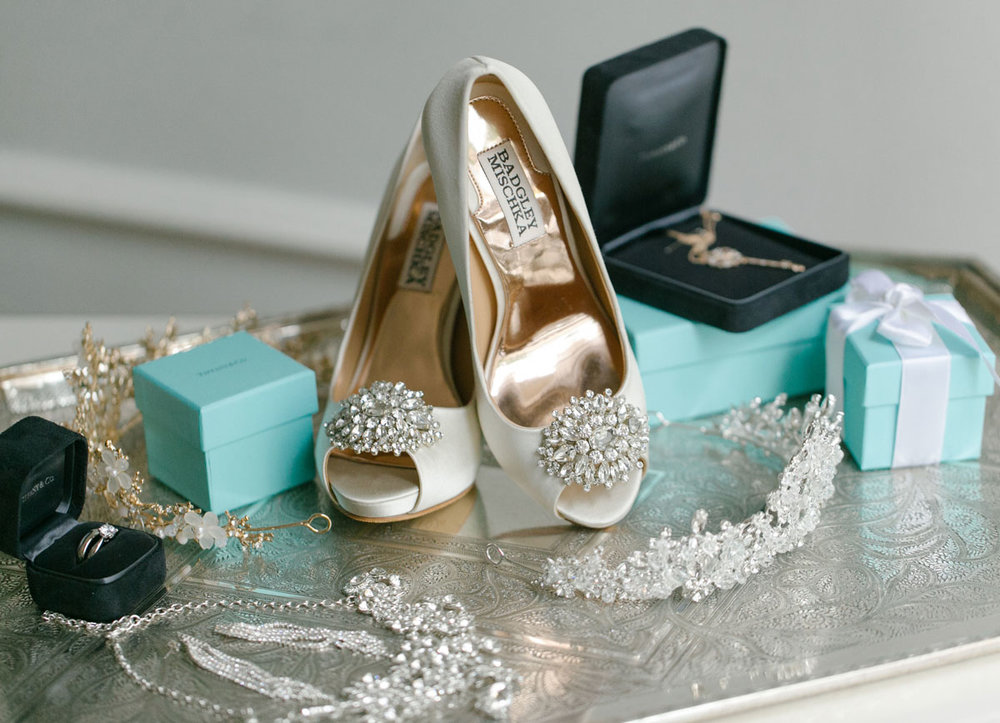 dloveaffair_bridal_accessories.jpg