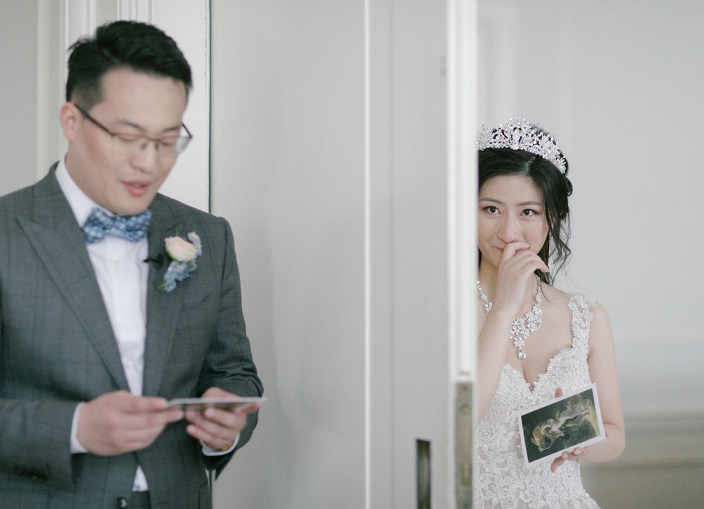 cardreading_bride_weddingday.jpg