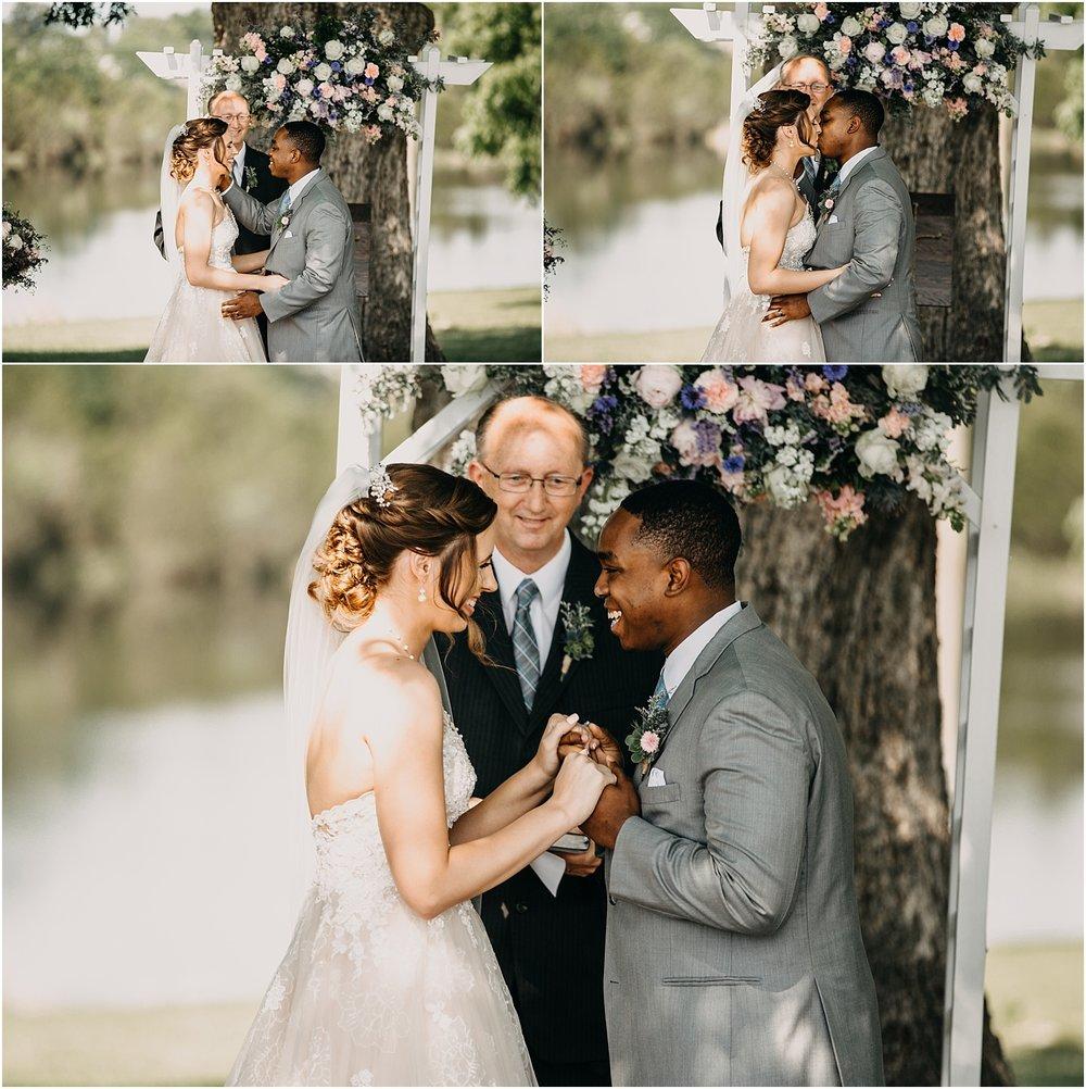 erin-darryl-missouri-wedding-photographer-mighty-oak-lodge_0055.jpg