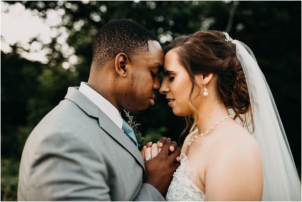 erin-darryl-missouri-wedding-photographer-mighty-oak-lodge_0090.jpg