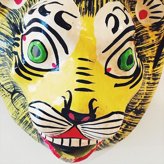 Always a good morning with a lion in your room #animalmask #haydesign #amaliaresidence #amsterdam