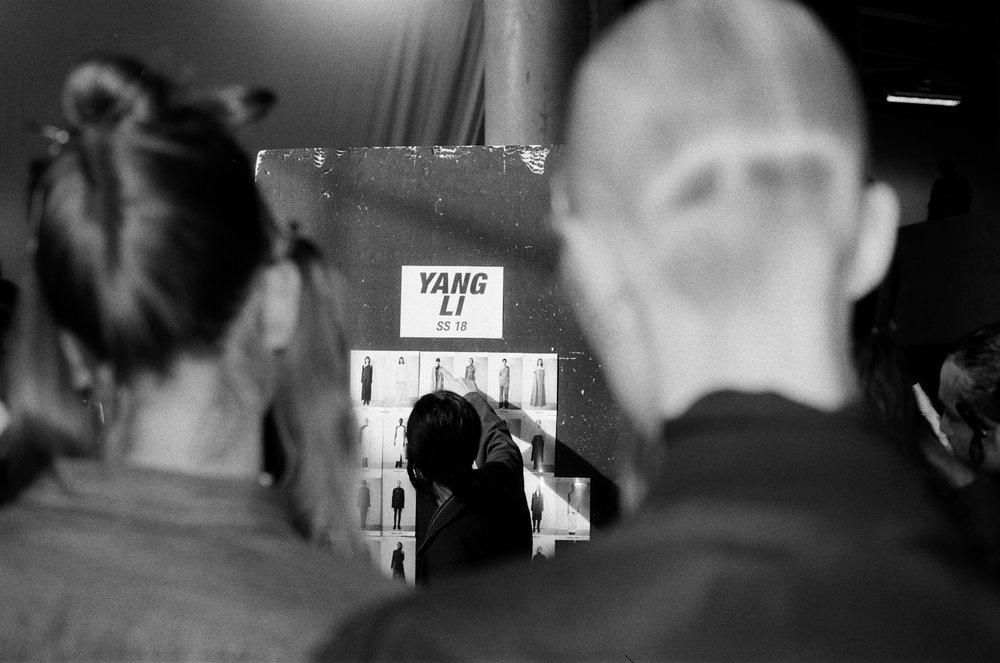 YangLi_Honigschreck_Backstage_SW_1.JPG