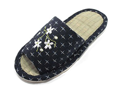 Photo courtesy of KNP GREEN LIFE and Amazon.com - click photo to visit Amazon.com and purchase these stylish slippers!