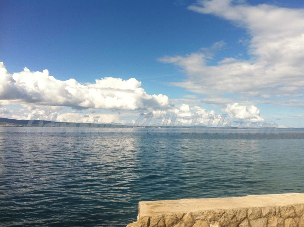 Split 11-min.png