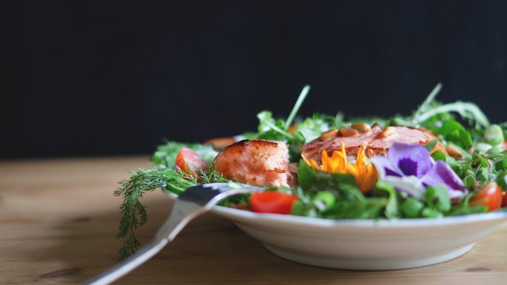 salad Photo by Ive Erhard on Unsplash