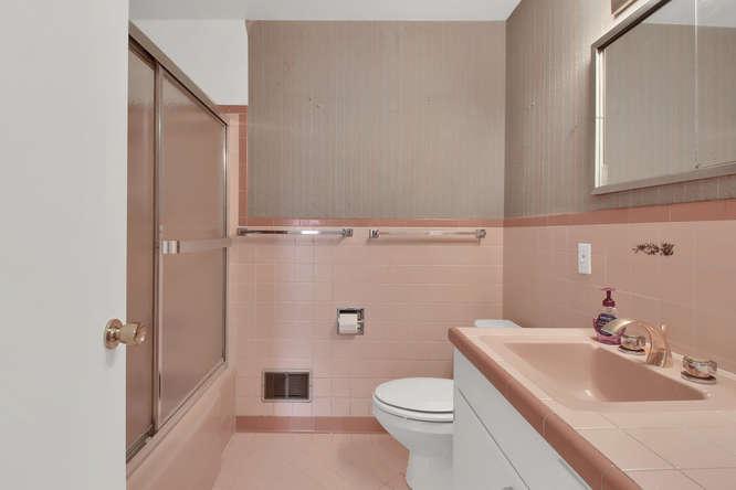 1870 Lewis Ct Lakewood CO-small-015-4-Bathroom-666x444-72dpi.jpg