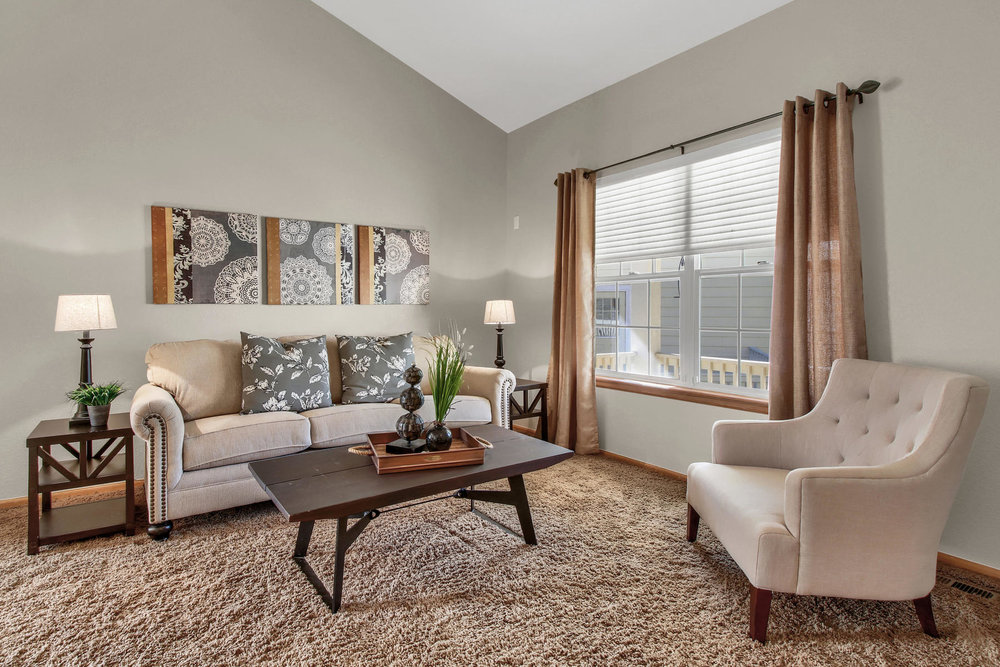 6272 Braun Cir Arvada CO 80004-015-14-Living Room-MLS_Size.jpg