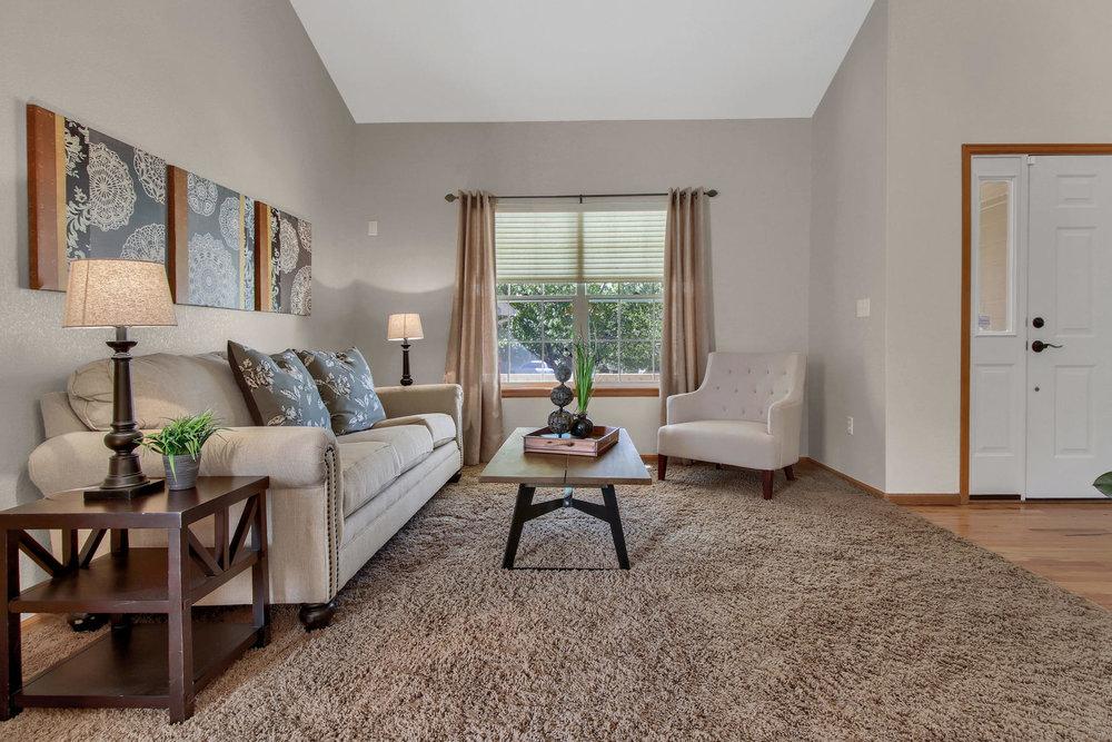 6272 Braun Cir Arvada CO 80004-016-37-Living Room-MLS_Size.jpg