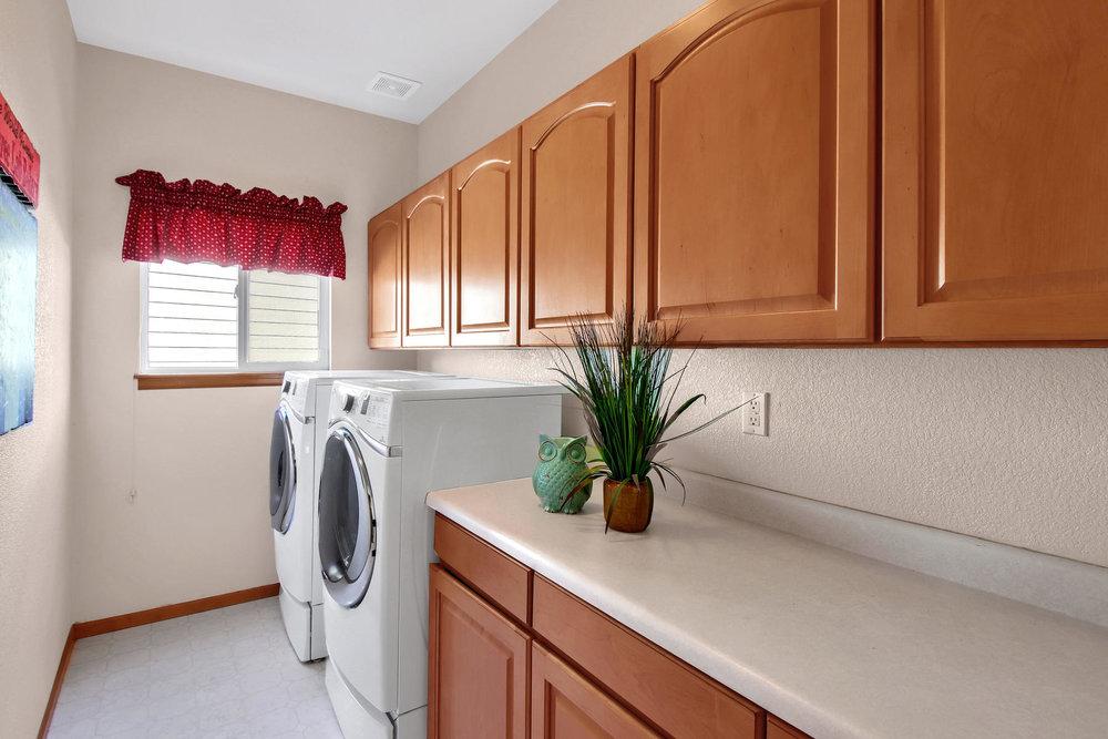 6272 Braun Cir Arvada CO 80004-029-35-Laundry-MLS_Size.jpg