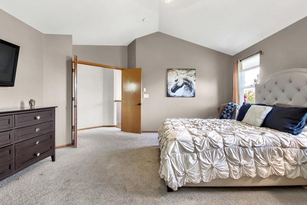 6272 Braun Cir Arvada CO 80004-033-10-Bedroom-MLS_Size.jpg