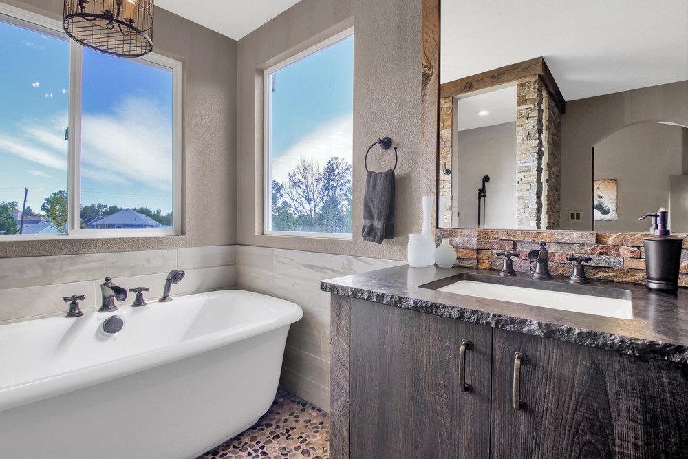 6272 Braun Cir Arvada CO 80004-035-31-Bathroom-MLS_Size.jpg