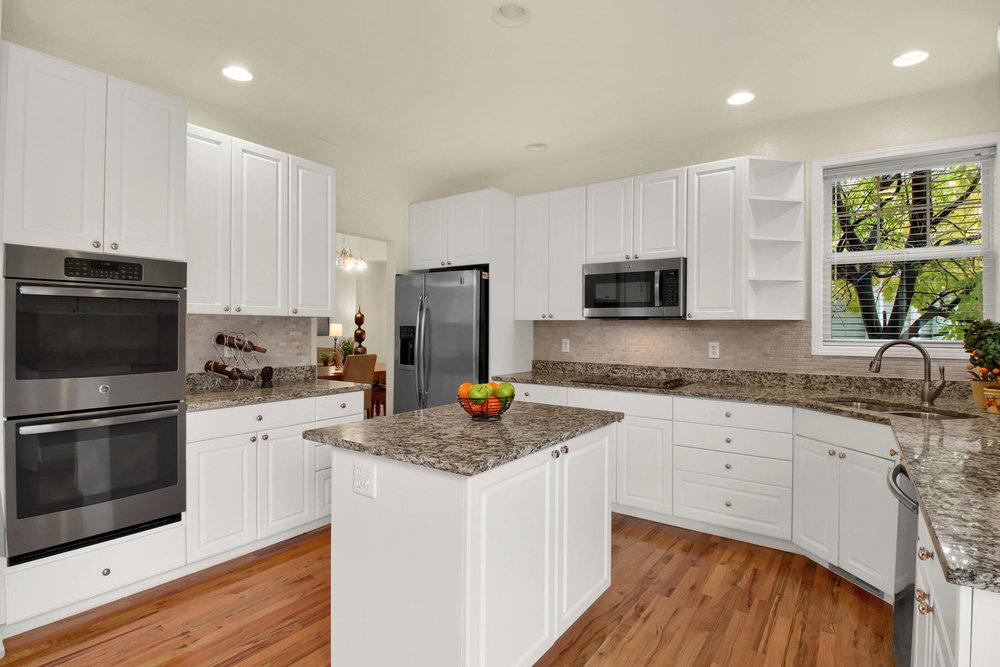 3665 Cayman Pl Boulder CO-large-012-19-Kitchen-1500x1000-72dpi.jpg