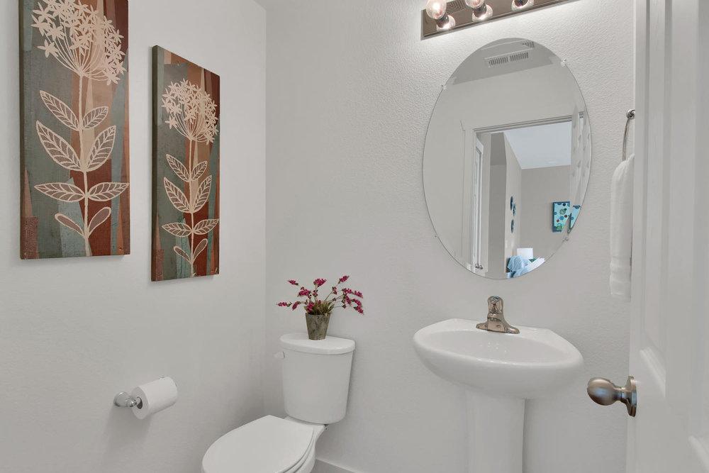 9076 Ellis Way Arvada CO 80005-large-011-17-Bathroom-1500x1000-72dpi.jpg