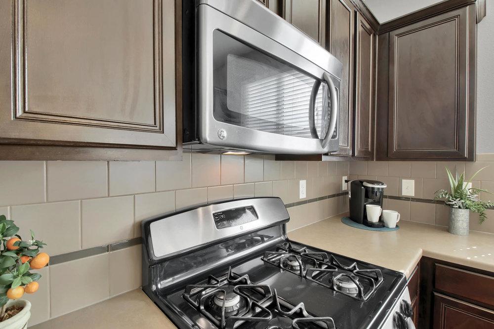9076 Ellis Way Arvada CO 80005-large-013-22-Kitchen-1500x1000-72dpi.jpg