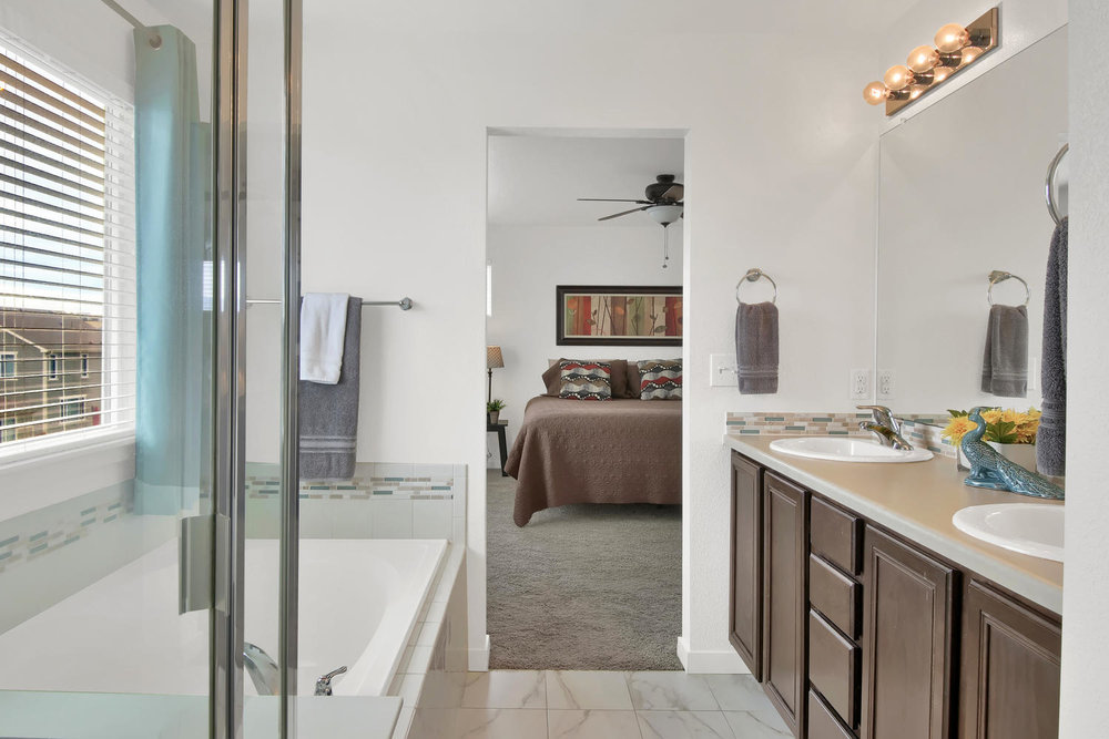 9076 Ellis Way Arvada CO 80005-large-026-30-Bathroom-1500x1000-72dpi.jpg