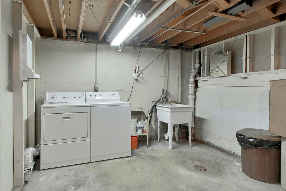 9035 Cole Dr Arvada CO 80004-024-9-Laundry-MLS_Size.jpg
