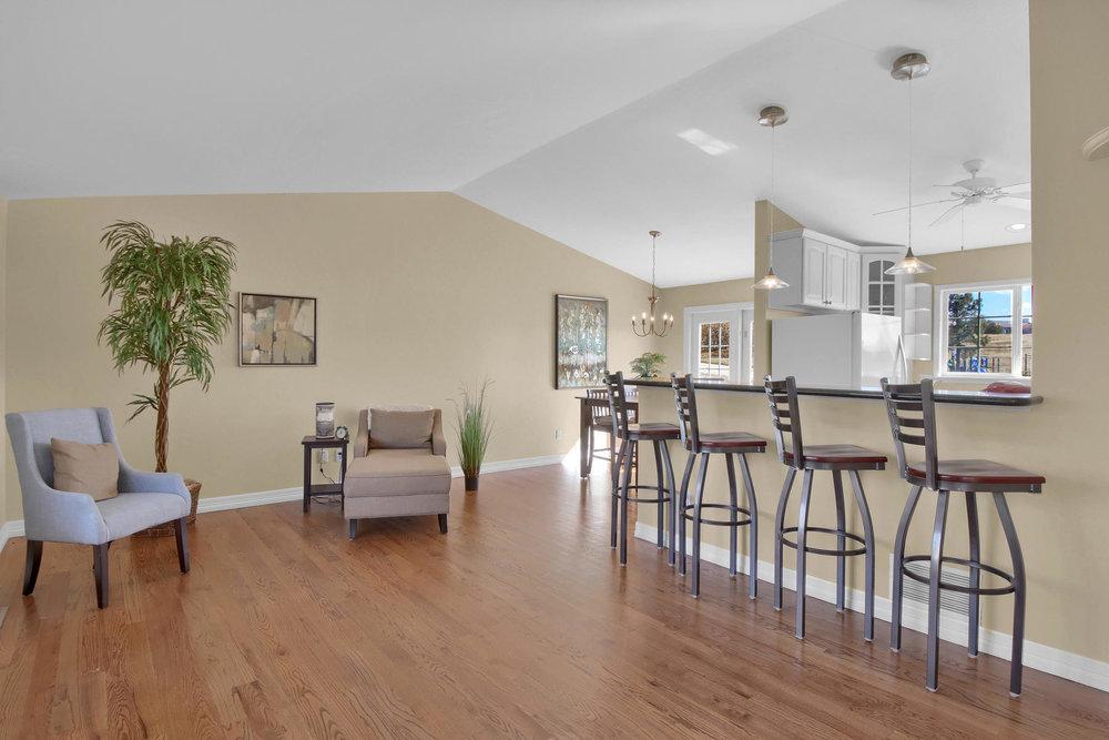 310 W Prestwick Way Castle-020-21-Living Room-MLS_Size.jpg