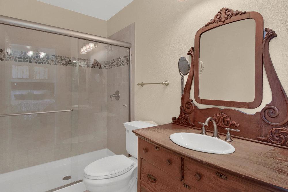 310 W Prestwick Way Castle-032-25-Bathroom-MLS_Size.jpg