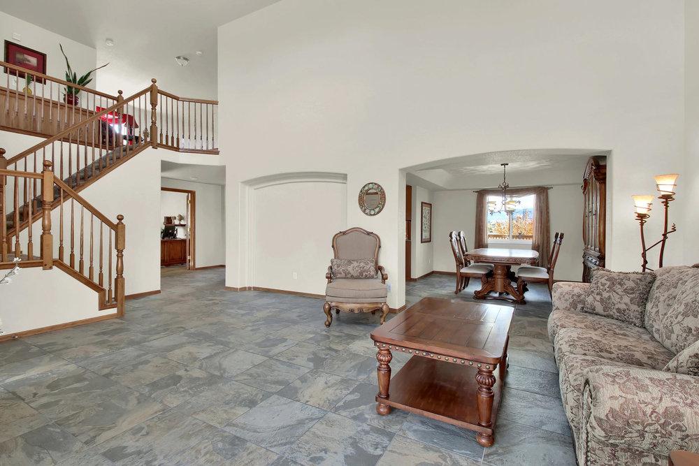 5547 Quail St Arvada CO 80002-006-8-Living Room-MLS_Size.jpg