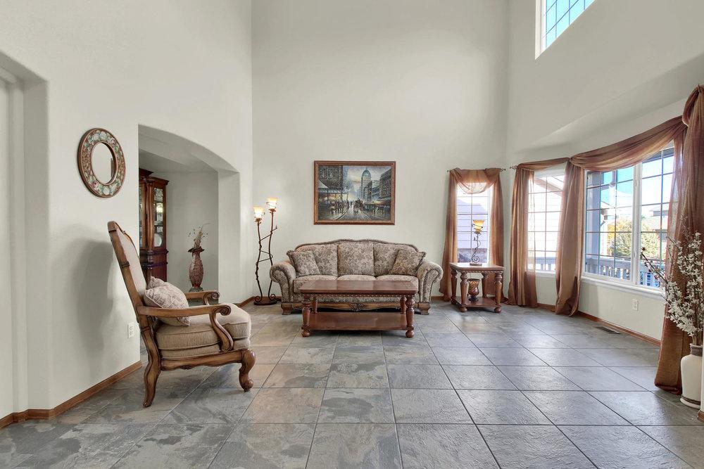 5547 Quail St Arvada CO 80002-007-6-Living Room-MLS_Size.jpg