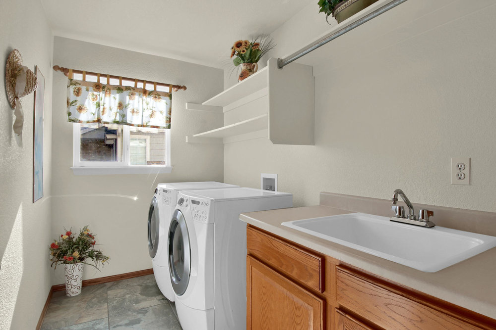 5547 Quail St Arvada CO 80002-012-13-Laundry-MLS_Size.jpg