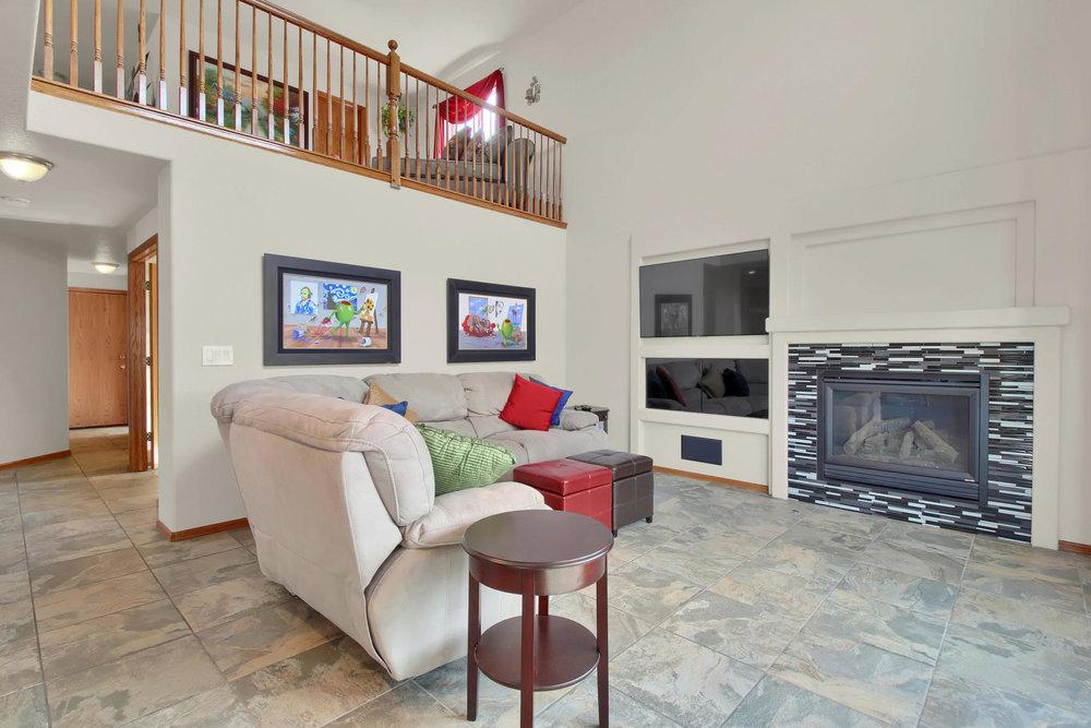 5547 Quail St Arvada CO 80002-014-18-Family Room-MLS_Size.jpg