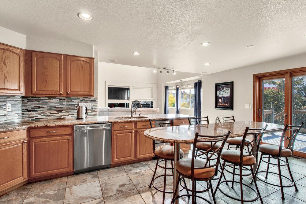 5547 Quail St Arvada CO 80002-017-34-Kitchen-MLS_Size.jpg