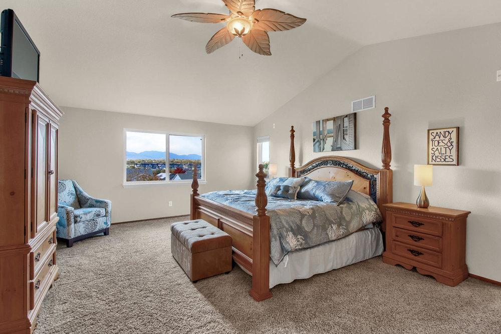 5547 Quail St Arvada CO 80002-020-25-Bedroom-MLS_Size.jpg