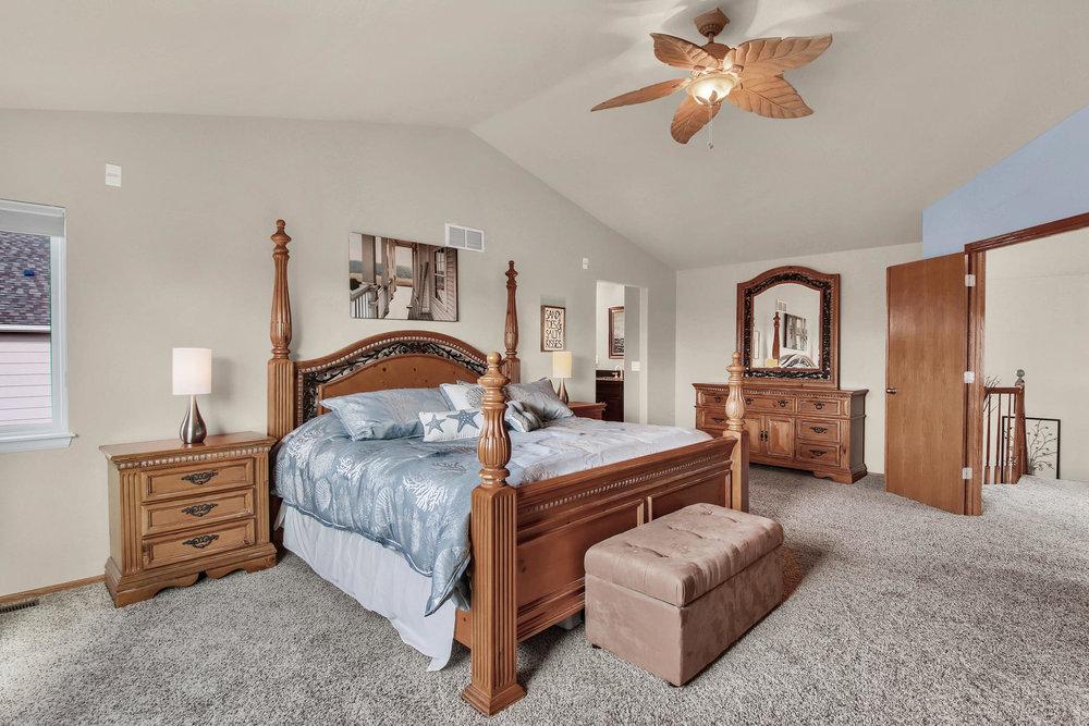 5547 Quail St Arvada CO 80002-022-23-Bedroom-MLS_Size.jpg